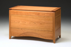 ming-shaker-blanket-box-by-becker