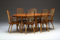 Oval Extension Table with Chairs